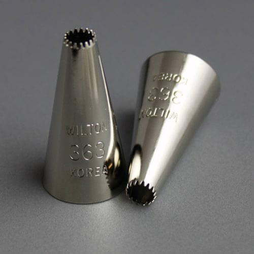Wilton no 362 open star drop flower icing tip for Star decorating tip