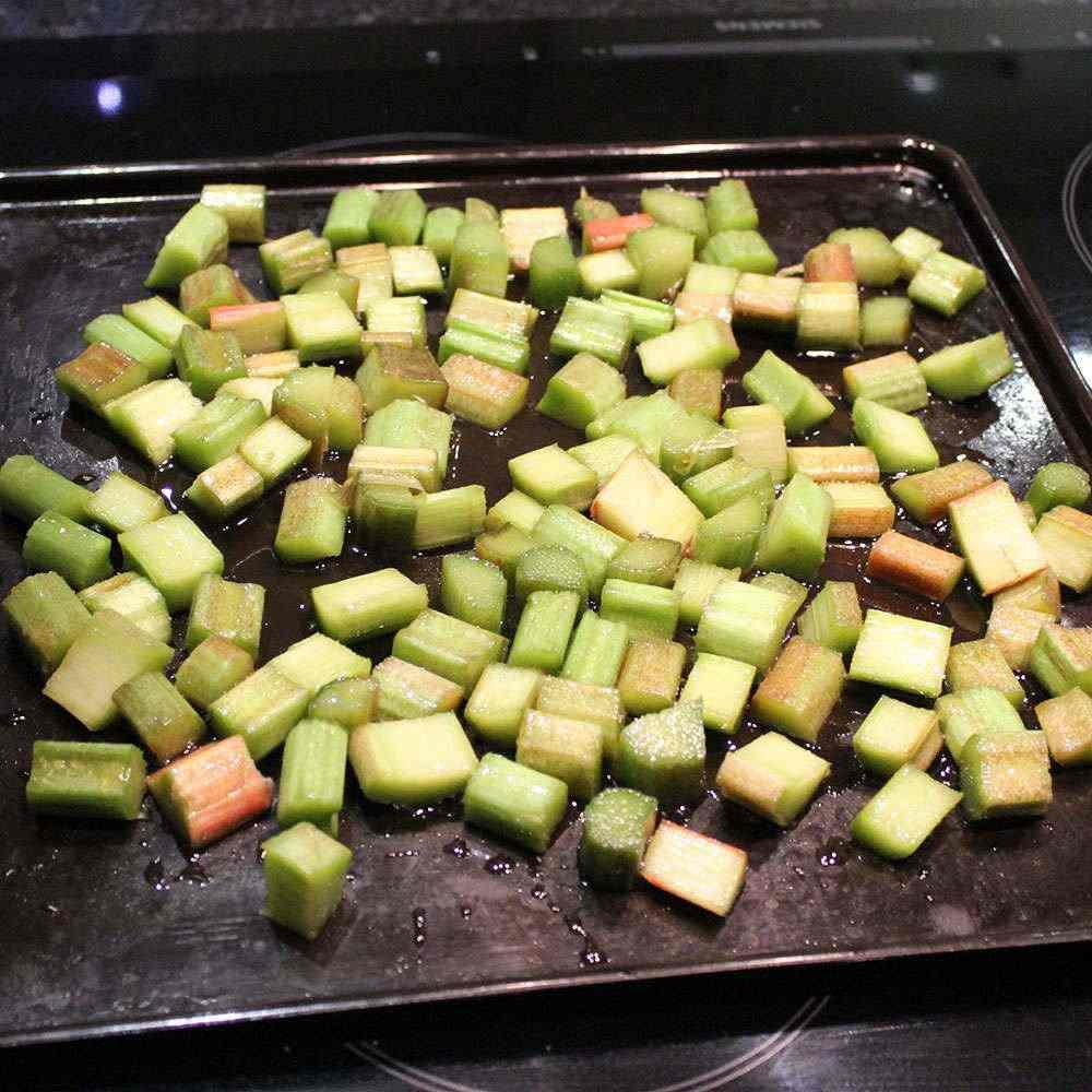 Rhubarb baking tray